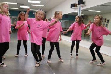 Düş Bahçesi Anaokulu branş dersleri arasında Modern Dans eğitimi de bulunmaktadır.